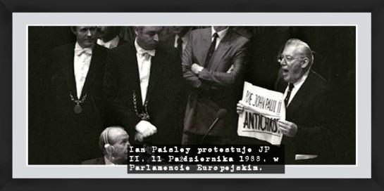 Ian_Paisley_JP_II_protest_antychryst2